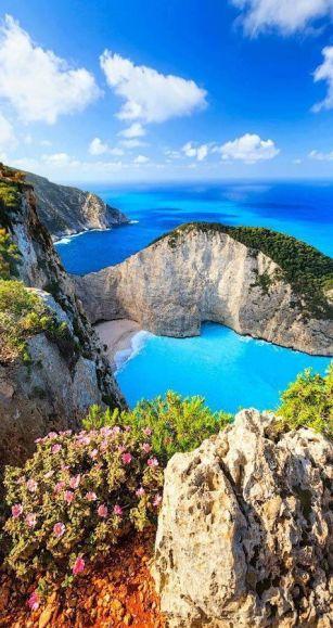 greece-navagio-bay-zakynthos